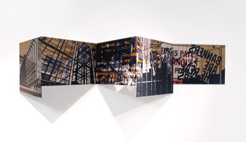 """""""Bankers"""", encre sur métal, 37 x 155 x 32 cm, 2013"""
